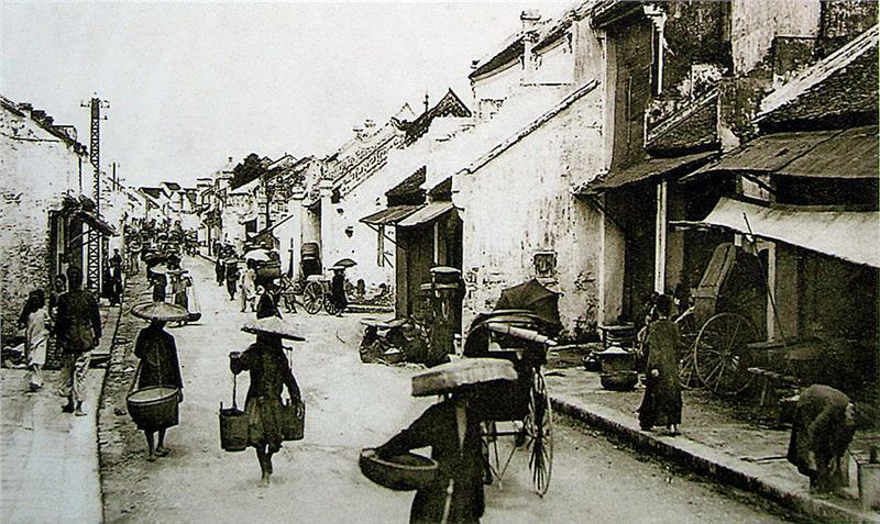 People in Hanoi Old Quarter