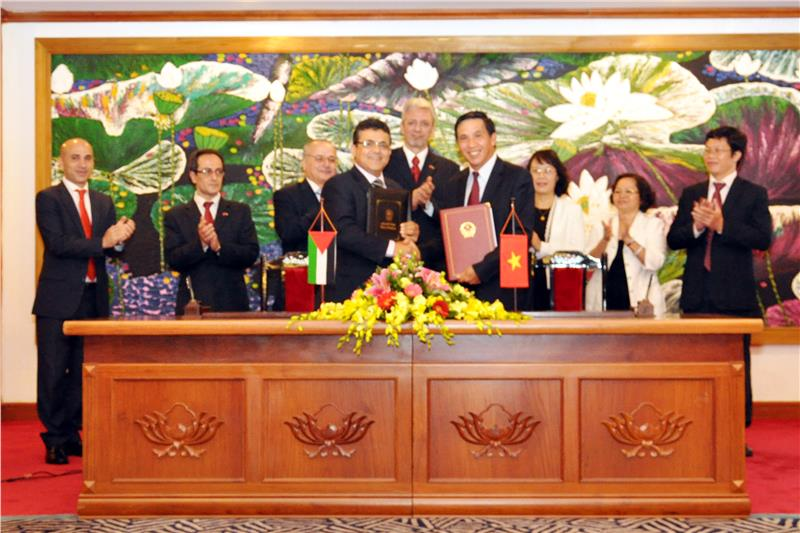 Signing ceremony of Vietnam - Palestine double taxation avoidance