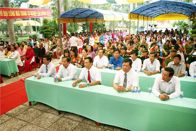The ceremony is held by Tra Vinh Women Union