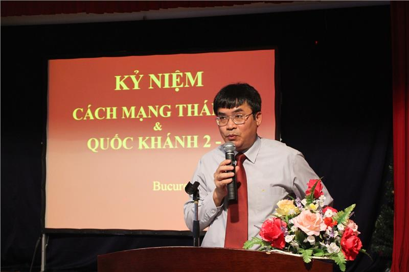 The Vietnamese Ambassador speaks at the ceremony of Vietnam National Day in Romania
