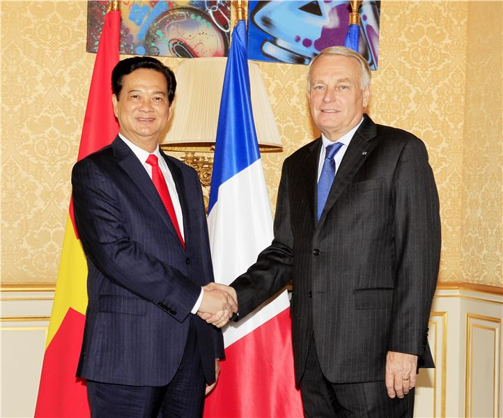 Two Prime Ministers of Vietnam and France