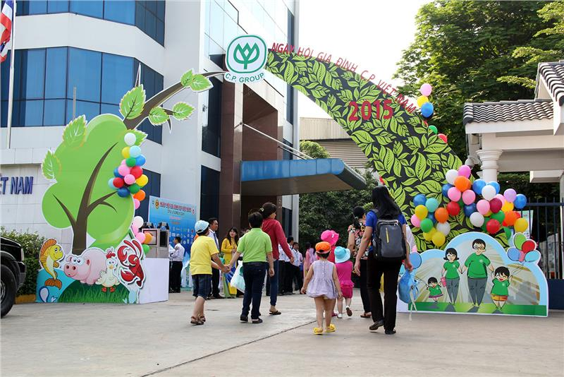 Exciting activities in Vietnam Family Day 2015