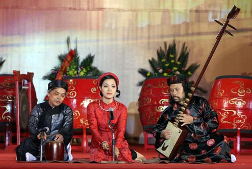 Vietnam folk songs in the festival