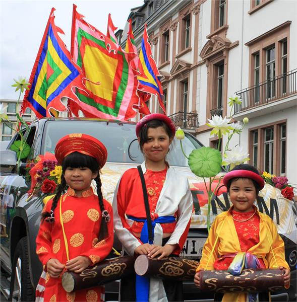 a personal opinion about the vietnamese culture Culture and mythology term papers (paper 19611) on vietnamese culture : the home garden is indispensable to the family s own personal economy.