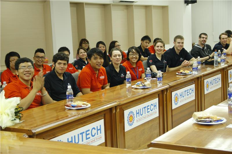Vietnamese students and international students in HUTECH