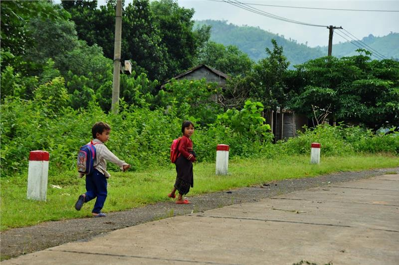 Vietnese Children go to school