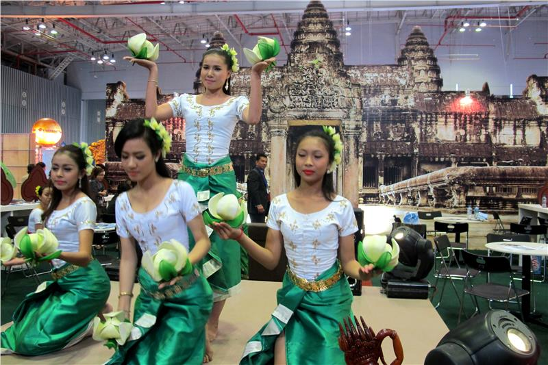 A traditional dance of Cambodia in the exhibition