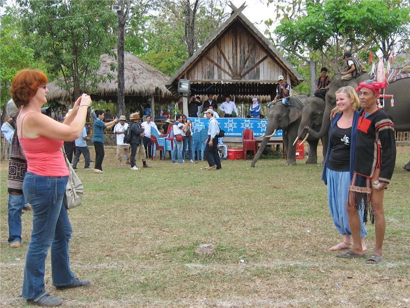 Vietnam tourism attracts British tourists