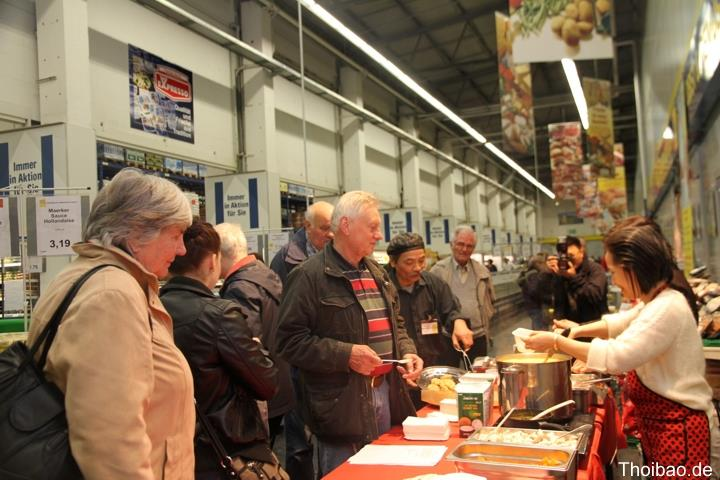Guests interested in Vietnamesecuisine
