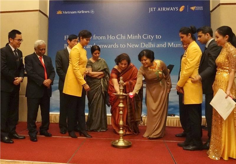 Opening ceremony of daily flight to India from Vietnam