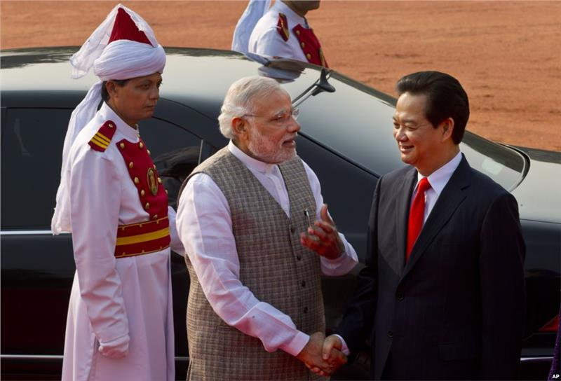 PM Nguyen Tan Dung visits India