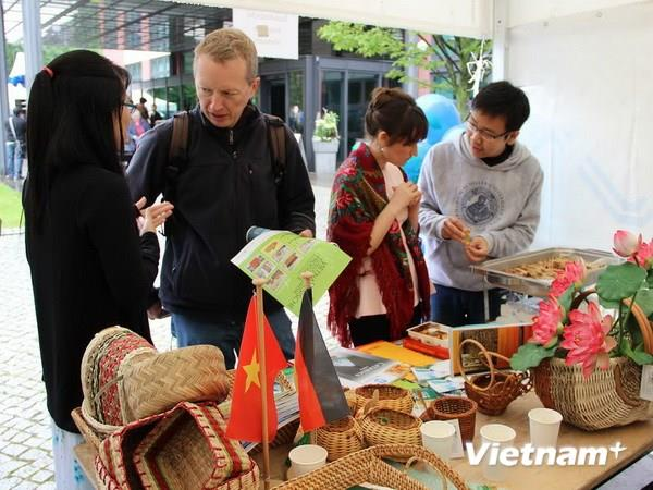 Promote Vietnamese culture at Open Days – Berlin 2014