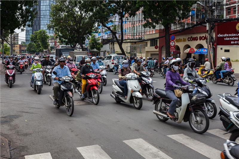 traffic in vietnam In viet nam, the number of death by traffic accident is considered as large as the number of death by plague there's about more than 30 people die everyday with the traffic conditions in vietnam, accident is object to happen.