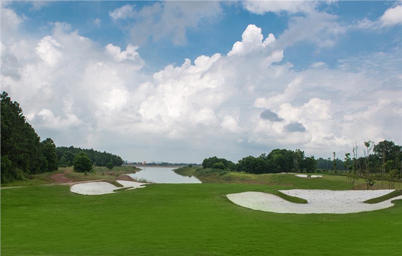 Flamingo Dai Lai Resort golf course