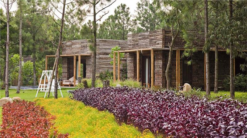 Living space in Flamingo Dai Lai is in harmony with nature