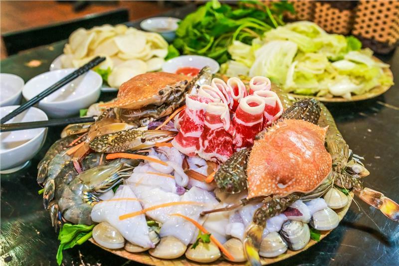 Tổng hợp địa điểm ăn hải sản ngon Hà Nội