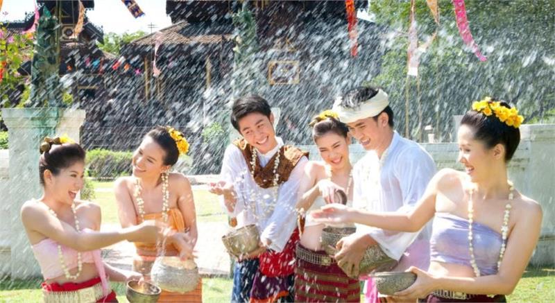 Lễ hội té nước Thái Lan có gì hấp dẫn?
